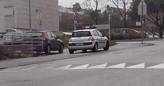0 police recadré.jpg