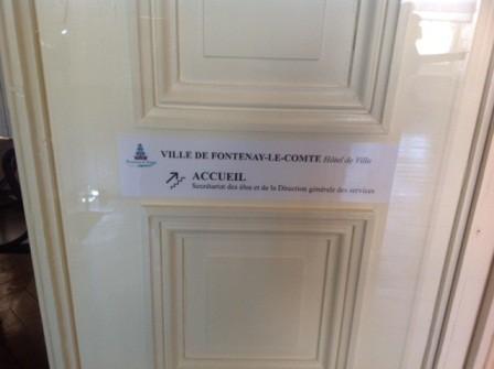 2014-02-18 mairie Fontenay accueil escalier - Copie.JPG